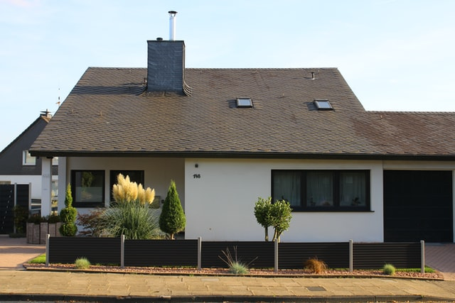 3 Reasons to Hire Professionals to Inspect Your Home's Roof