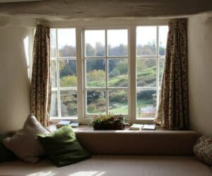 4 Major Signs You Need to Replace Your Windows